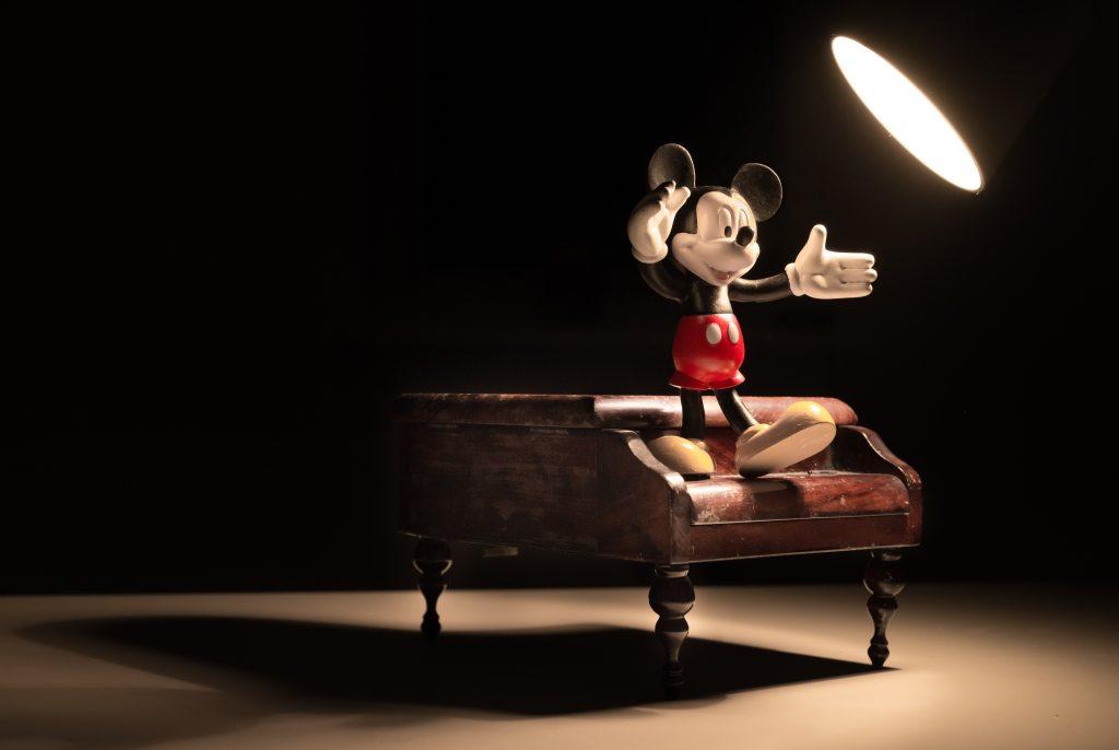 animation-cartoon-cartoon-character-disney-mickey-mouse-piano-light